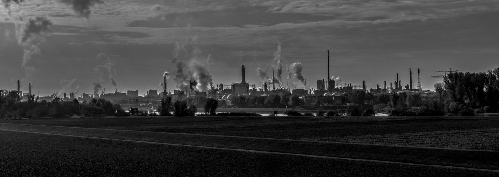 industry-3068200_1920